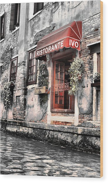Ristorante On The Canals Wood Print
