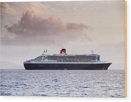 Rms Queen Mary 2 Wood Print by Grant Glendinning