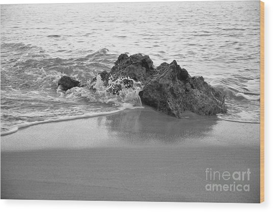 Rock And Waves In Albandeira Beach. Monochrome Wood Print