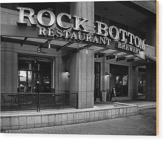 Rock Bottom Restaurant And Brewery In Black And White Wood Print by Greg Mimbs