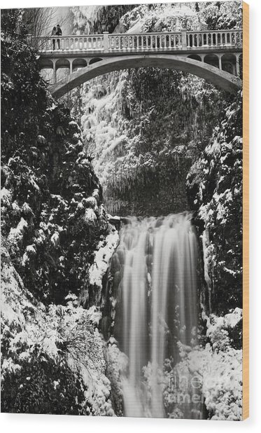 Romantic Moments At The Falls Wood Print