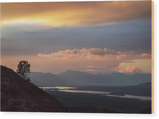 Roosevelt Lake At Sunset Wood Print by Dave Dilli