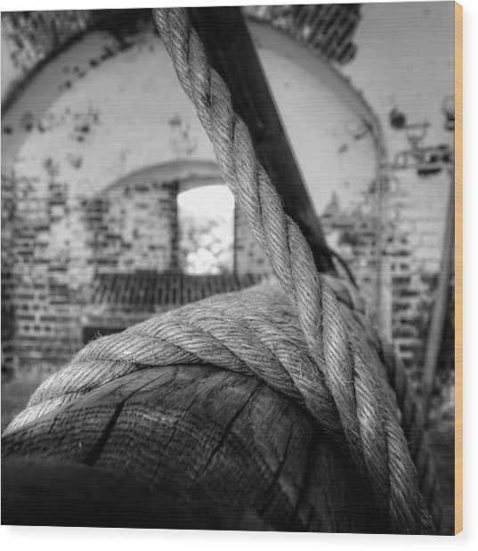 Rope On Roller In Black And White Wood Print