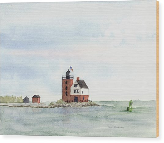 Round Island Lighthouse Wood Print by Susan Mahoney