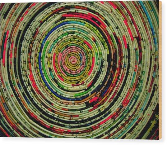 Round Newspaper Wood Print by Teodoro De La Santa