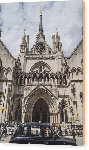 Royal Courts Of Justice In London Wood Print