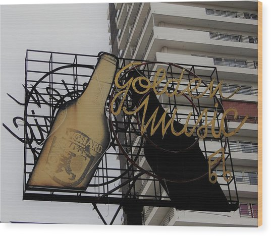Royal Guard Cerveza And Golden Music Sign Wood Print