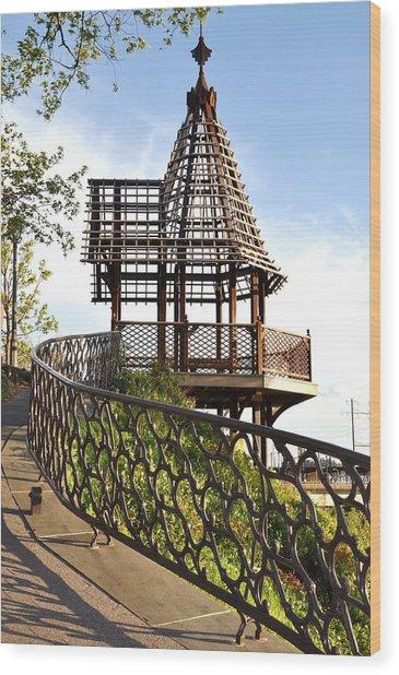 Rustic Memorial Wood Print by Andrew Dinh