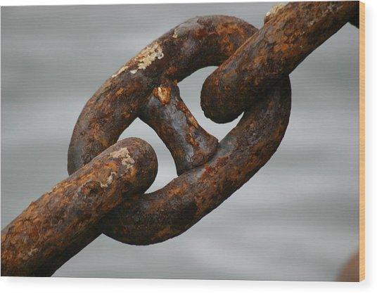 Rusty Chain Wood Print by Hans Jankowski