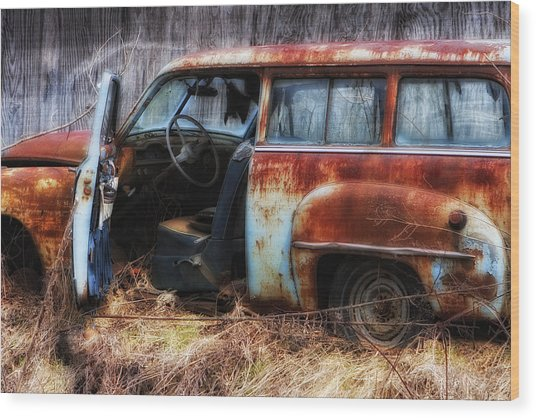 Rusty Station Wagon Wood Print