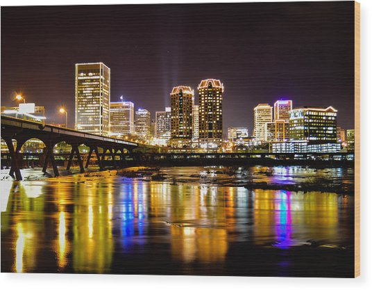 Rva Holiday Skyline 3 Wood Print