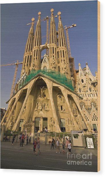 Sagrada Famila In The Fading Sun. Wood Print