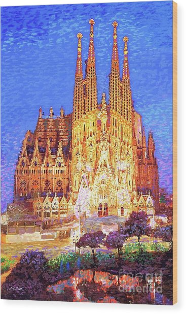 Sagrada Familia At Night Wood Print