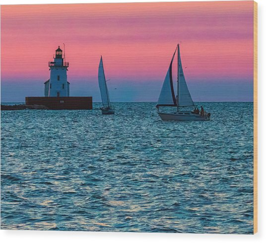 Sailing At The Cleveland Lighthouse  Wood Print