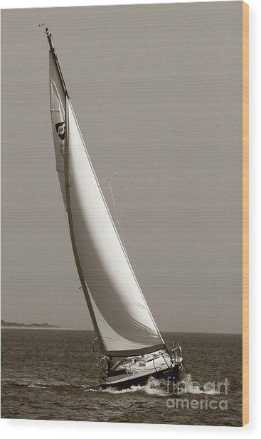 Sailing Sailboat Sloop Beating To Windward Wood Print