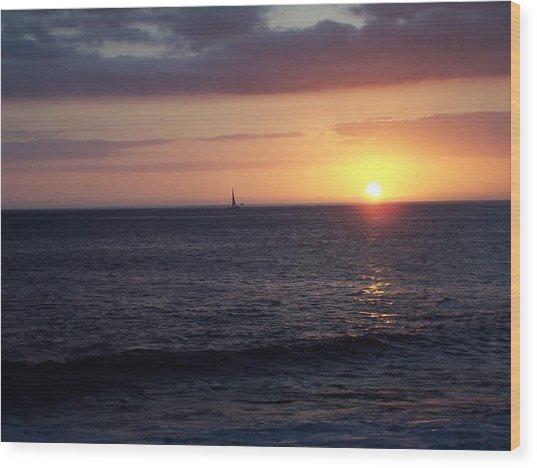 Sailing The Sunset Wood Print