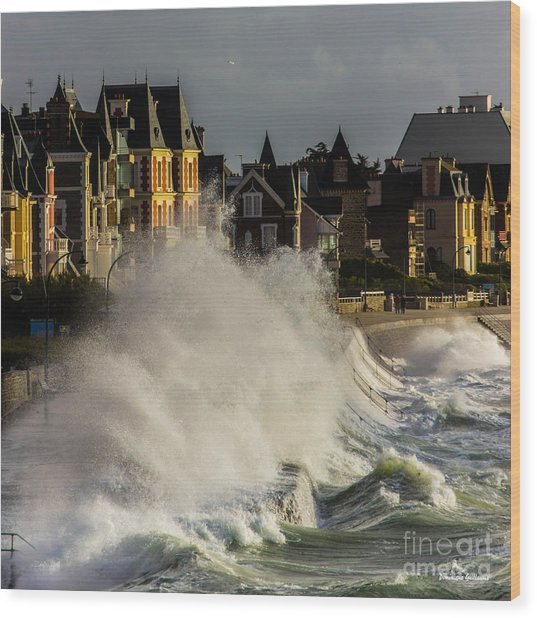 Saint-malo, Great Tide Wood Print