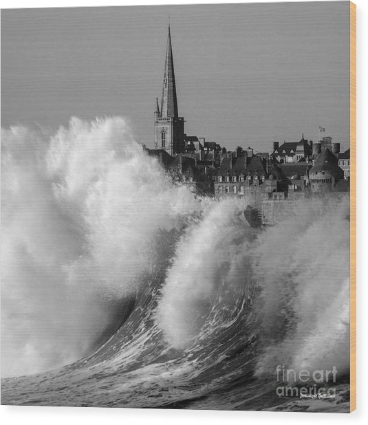 Saint-malo, The Wave Wood Print