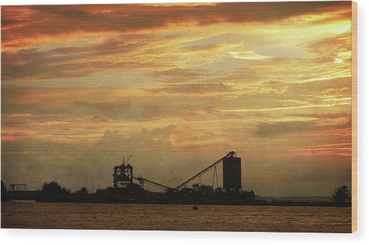 Sandusky Coal Dock Sunset Wood Print