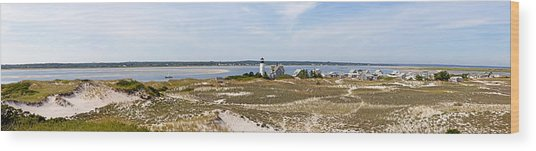 Sandy Neck Lighthouse With Fishing Boat Wood Print