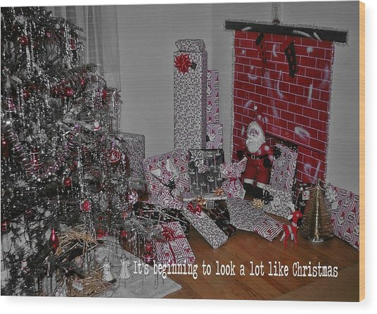 Santas Almost Here Quote Wood Print by JAMART Photography