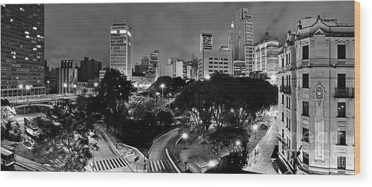 Sao Paulo Downtown At Night In Black And White - Correio Square Wood Print