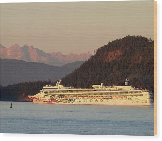 Saturday Evening Cruise Wood Print