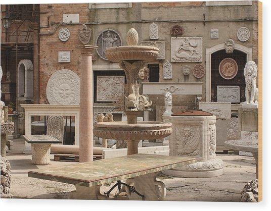 Sculpture Garden In Venice Wood Print by Michael Henderson
