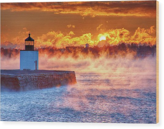 Seasmoke At Salem Lighthouse Wood Print