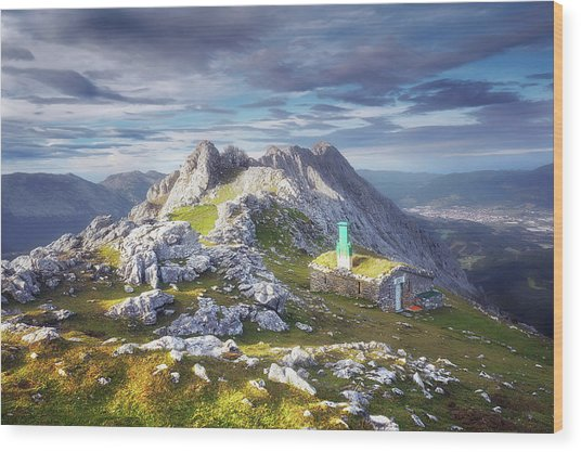 Shelter In The Top Of Urkiola Mountains Wood Print