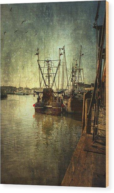 Ships Docked Wood Print