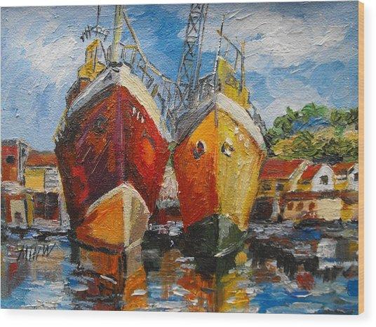 Ships In Repair Wood Print by Min Wang