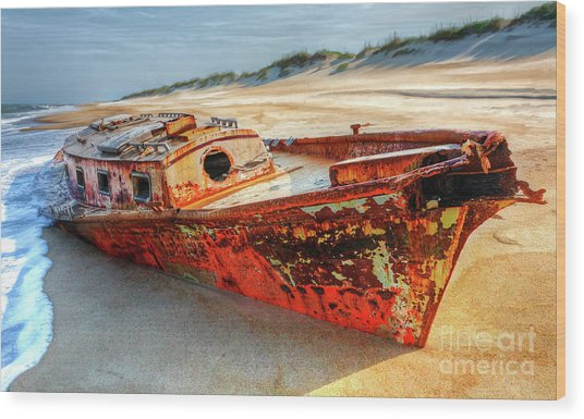 Shipwrecked Boat On Outer Banks Front Side View Wood Print