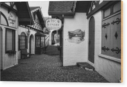 Shopping In Helen Georgia In Black And White Wood Print