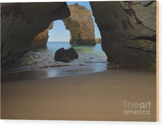Silky Sands And Arch Wood Print