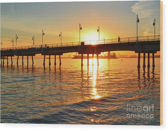Sily Sunset At The Pier Wood Print