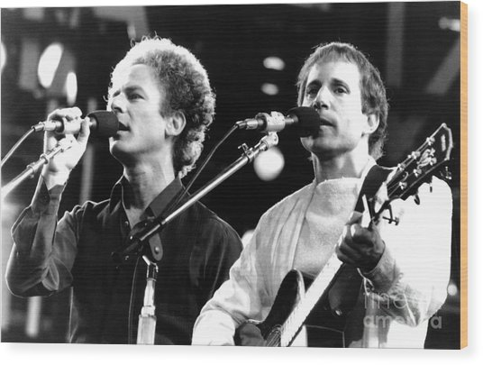Simon And Garfunkel 1982 Wood Print