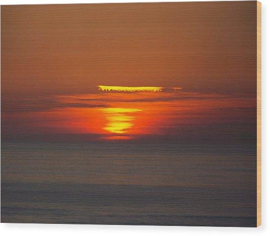 Sinking Sun Wood Print
