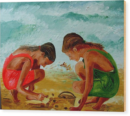Sisters On The Beach Wood Print by Inna Montano