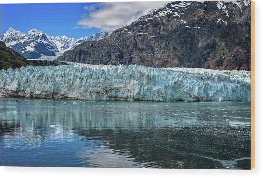 Size Perspective No Margerie Glacier Wood Print