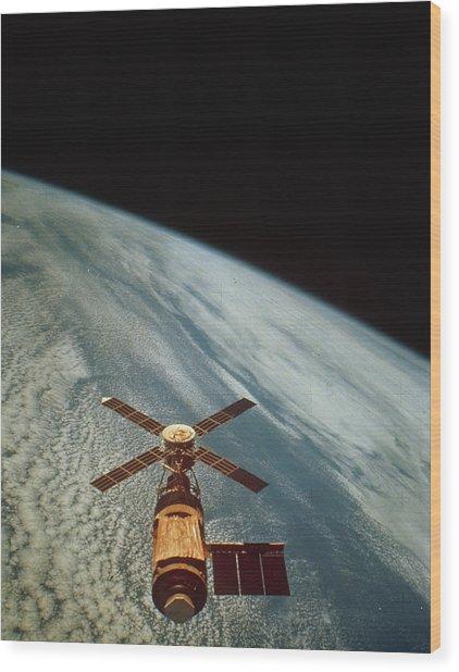 Skylab 1 Space Station In Orbit. Wood Print by Nasa