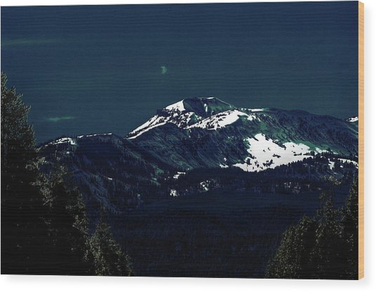 Snow On The Mountain At Night Wood Print