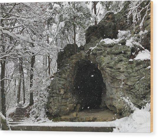 Snowy Torys Den Wood Print