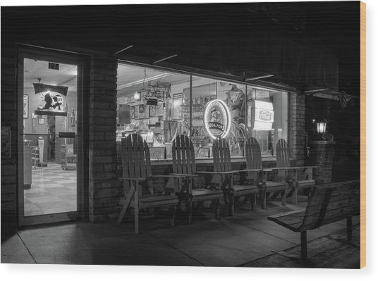 Soda Pops At Night In Black And White Wood Print