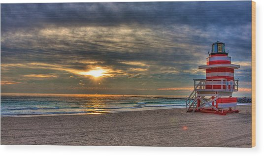 South Beach Sunrise Wood Print by William Wetmore