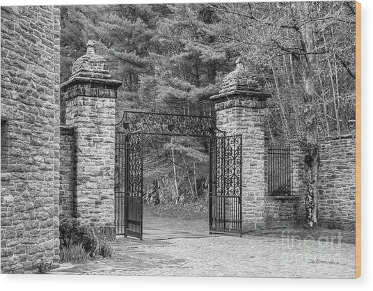 Southern Vermont College Gate Wood Print