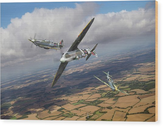Wood Print featuring the photograph Spitfire Tr 9 Fighter Affiliation by Gary Eason
