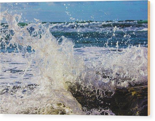 Wave Crash And Splash Wood Print
