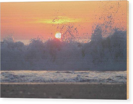 Splashing High Wood Print