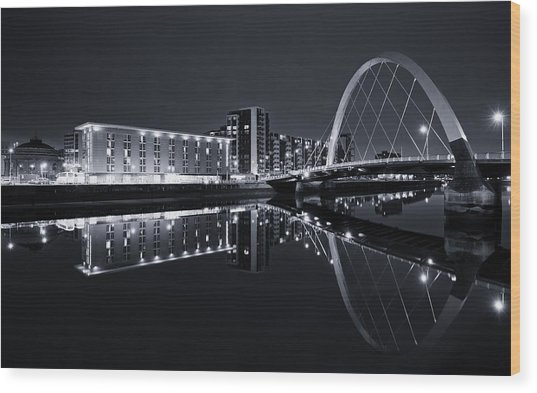 Squinty Bridge Glasgow Wood Print